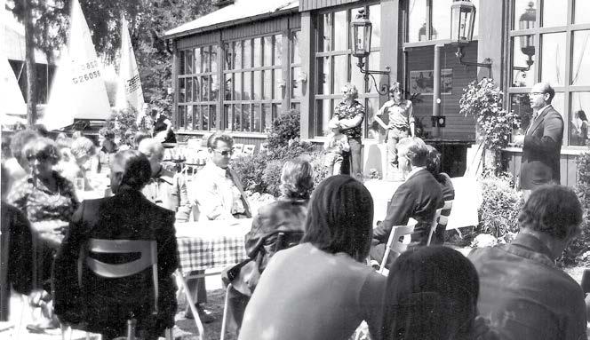 Eröffnung der ersten Bayerischen Jugendwoche 1975 auf der Terrasse vor dem BYC-Casino durch Starnbergs Bürgermeister Heribert Thallmair. Foto: M. Köhle