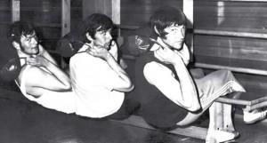 Eberhard Umbach, Klaus-Peter Stohl und Burschi Haist (v. l.) trainieren auf der Ausreitbank für die Olympia-Kampagne 1972. Foto: R. Denk